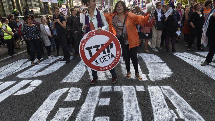 Manifestation contre le CETA à Bruxelles le 17 septembre 2016 (JOHN THYS / AFP)