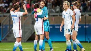 Les joueuses américaines célèbrent leur victoire face à la Nouvelle-Zélande (2-0), le 03 août 2016 à Belo Horizonte. (GUSTAVO ANDRADE / AFP)