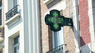 Le thermomètre a affiché plus de 40 degrés à Lille (Nord), le 27 juillet 2018. (MAXPPP)