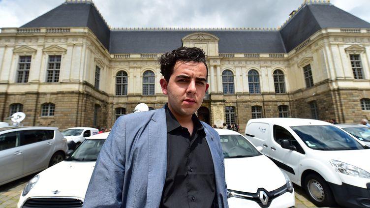 Jonathan Delay devant le palais de justice de Rennes (Ille-et-Vilaine), le 19 mai 2015, à l'ouverture du procès de Daniel Legrand fils. (  MAXPPP)