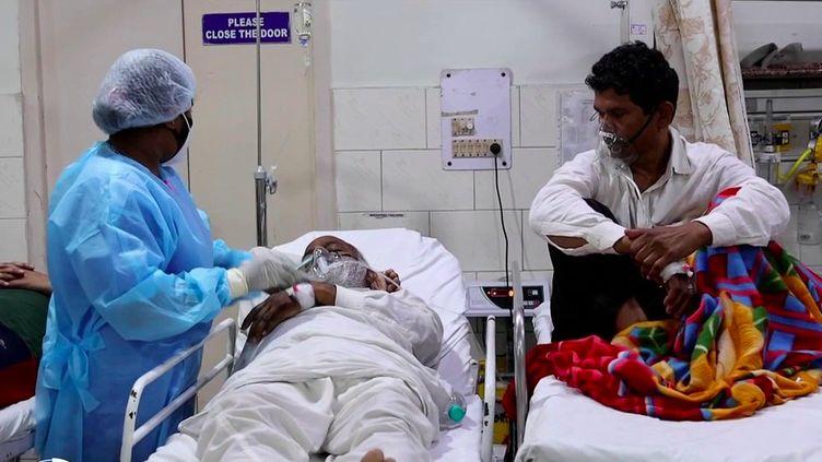 Inde : immersion au cœur d'un hôpital saturé à New Delhi (France 2)