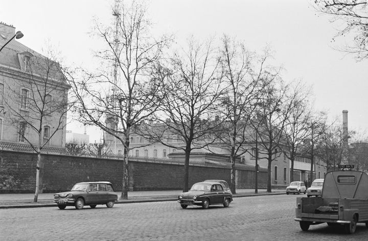 Le SDECE (Service Français de Contre-espionnage) sur le Boulevard Mortier, Paris, France, 28 décembre 1968. (KEYSTONE-FRANCE / GAMMA-KEYSTONE / GETTY IMAGES)