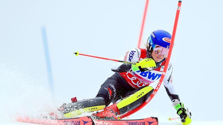 Après sa victoire lors du géant hier, Mikaela Shiffrin va tenter le doublé avec le slalom de Courchevel  (10h30). (TOM PENNINGTON / GETTY IMAGES NORTH AMERICA)
