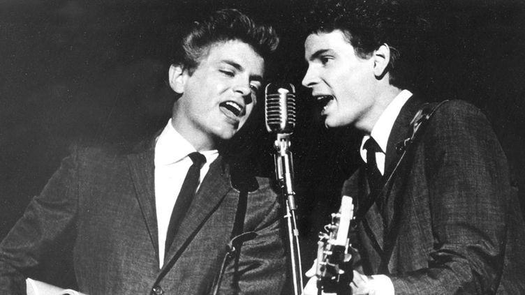 Les Everly Brothers, Phil (à gauche) et Don, en 1964  (AP / SIPA)