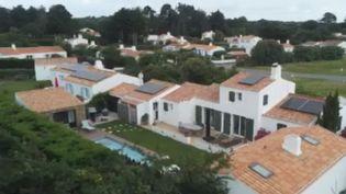 Environnement : sur l'Île d'Yeu, des panneaux solaires partagés entre les habitants (France 2)