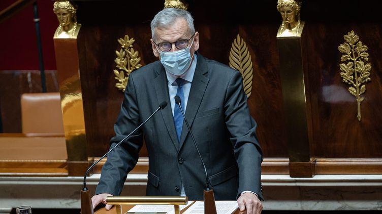 Le député LREM Jean-René Cazeneuve lors de la première lecture du projet de loi portant lutte contre le dérèglement climatique et renforcement de la résilience face à ses effets,à l'Assemblée nationale, le 9 mars 2021. (AURELIEN MORISSARD / MAXPPP)