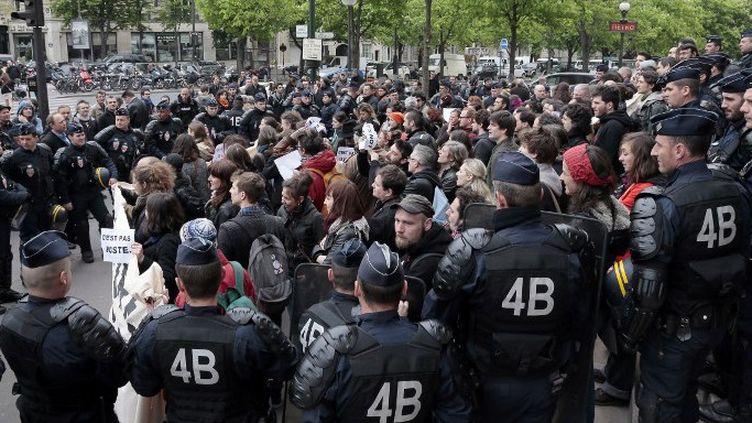 Manifestation des intermittents le 4 avril 2014 devant le Palais de Chaillot  (JACQUES DEMARTHON / AFP)