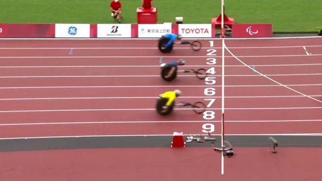 Le Français réalise son meilleur chrono sur le 400 m T53 et finit 3ème de sa série à la photo-finish ! Il se qualifie pour la finale paralympique.