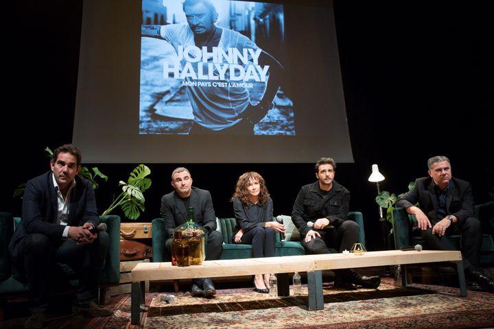 Sébastien Farran, Bertrand Lamblot, Marie-Hélène Chassagne, Maxim Nucci et Thierry Chassagne, lors de la conférence de presse organisée lundi 15 octobre 2018, au siège de Warner Music France, à Paris. (GEOFFROY VAN DER HASSELT / AFP)