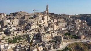 Cité honteuse il y a encore cinquante ans, la ville de Matera est redevenue un joyau de l'Italie grâce à la passion de certains habitants. (FRANCE 2)