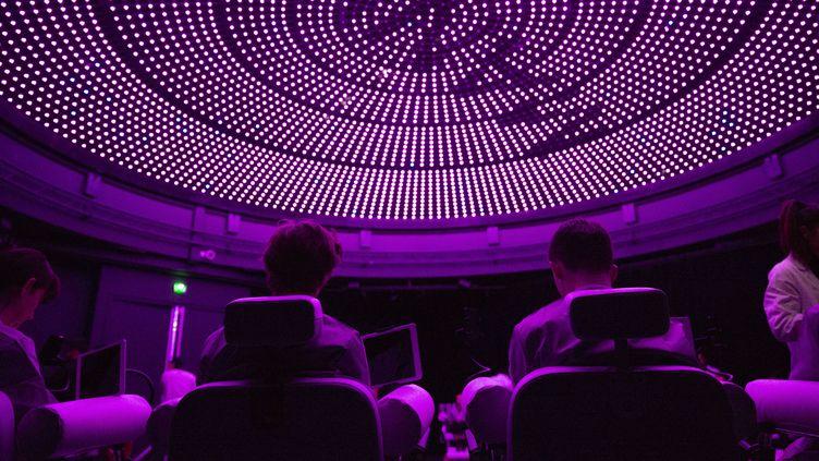 """""""Maniac"""", nouvelle série Netflix avec Emma Stone et Jonah Hill, sera disponible à partir du 21 septembre sur la plateforme.  (Joseph Albertini)"""