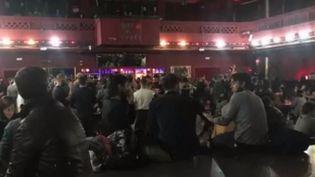 Fermeture des salles de spectacle : à la recherche de solutions pour reprendre les concerts et spectacles (France 2)