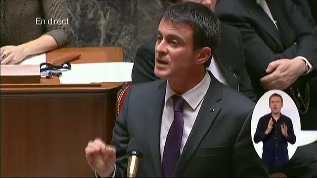 """Valls """"regrette profondément"""" L'abandon du projet de révision constitutionnelle et montre du doigt le Sénat"""