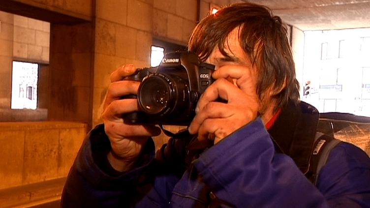 """Patrick, alias """"Kop"""" a photographié durant six moix son quotidien dans la rue   (France 3 Culturebox)"""