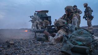 Des soldats de l'opération Barkhane dans la région de Kidal, dans le nord-est du Mali, le 22 août 2020. (FRED MARIE / HANS LUCAS / AFP)