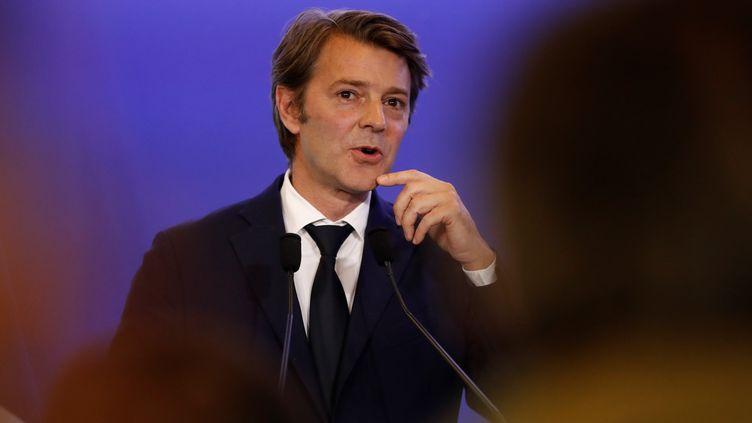 François Baroin fait un discours, en vue des législatives, au siège du parti Les Républicains à Paris, le 10 mai 2017. (PATRICK KOVARIK / AFP)