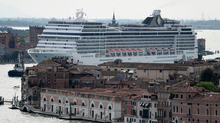 Le paquebot MSC Magnifica arrive à Venise (Italie), le 8 juin 2019. Photod'illustration. (MIGUEL MEDINA / AFP)