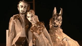 """""""White dog"""" de la compagnie """"Les anges au plafond, une pièce adaptée du roman de Romain Gary """"Chien blanc"""".  (France 3 / Culturebox)"""