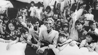 Des boat-people vietnamiens dans les eaux de la Malaysie, le 19 juin 1979. (COR / UPI / AFP)