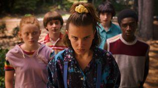 Sadie Sink, Noah Schnapp, Millie Bobby Brown, Finn Wolfhard, Caleb McLaughlin interprètent les héros de Stranger Things devenus adolescents. (NETFLIX)