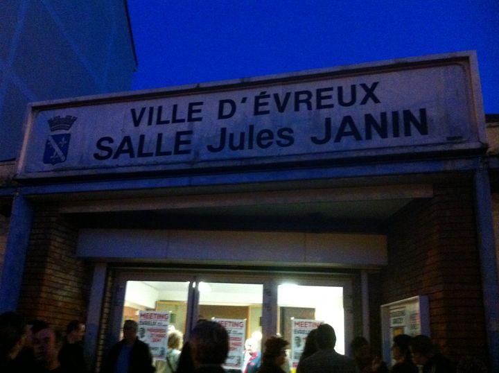 La petite salle Jules Janin d'Evreux a accueilli une réunion publique du NPA le 21 mars. (Sébastien Tronche)