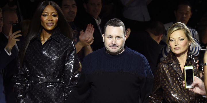 Kim Jones, Naomi Campbell et Kate Moss au final Vuitton ah 2018, à Paris  (BERTRAND GUAY / AFP)