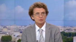 Guillaume Charpentier, chef du service de diabétologie au centre hospitalier sud-francilien. (CAPTURE D'ÉCRAN FRANCE 2)