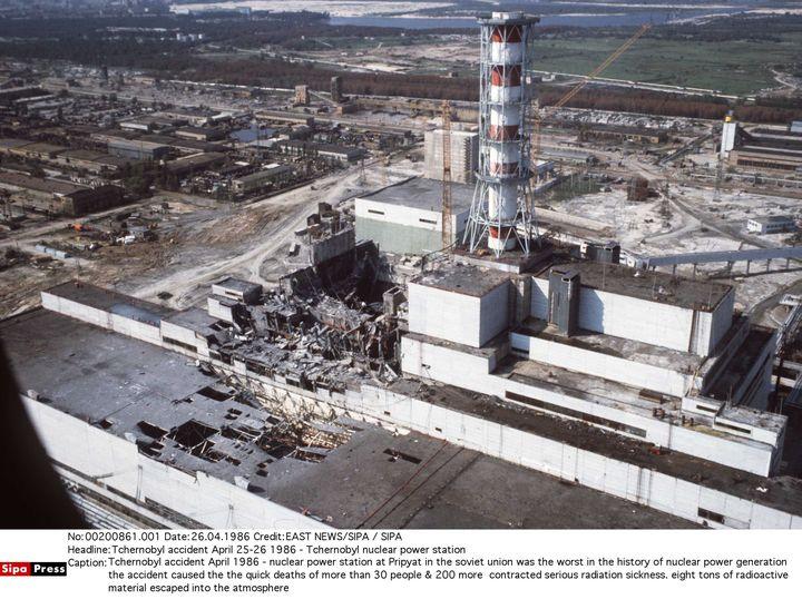 Une vue aérienne de la centrale nucléaire de Tchernobyl après la catastrophe du 26 avril 1986. (EAST NEWS/SIPA / SIPA)