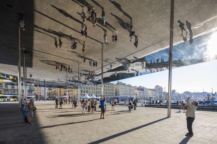 """""""L'ombrière"""", Port de Marseille, Norman Foster Tangran  (GARDEL Bertrand / hemis.fr / Hemis)"""