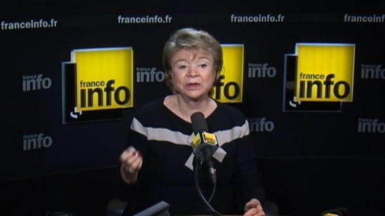 Eva Joly, la candidate d'Europe Ecologie - Les Verts à la présidentielle, le 10 février 2012, au micro de France Info. (FTVi / FRANCE INFO)