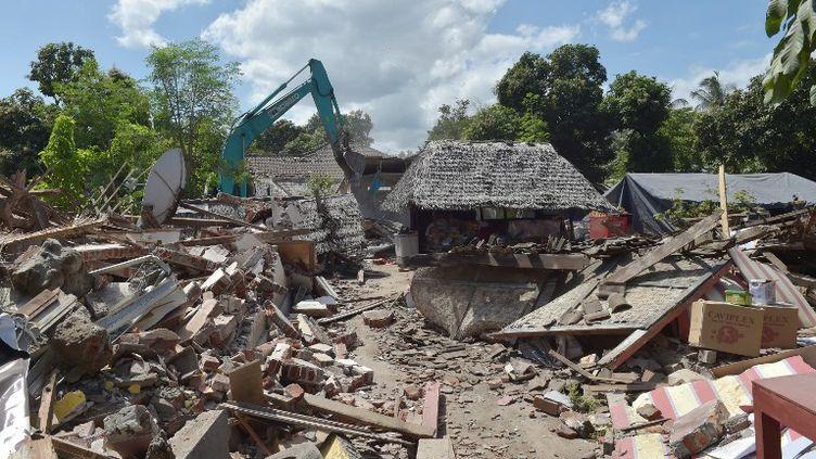 Un séisme d'une magnitude de 6,3 a secoué dimanche l'île indonésienne de Lombok, provoquant des scènes de panique, deux semaines après un tremblement de terre qui a fait plus de 460 morts. (ADEK BERRY / AFP)