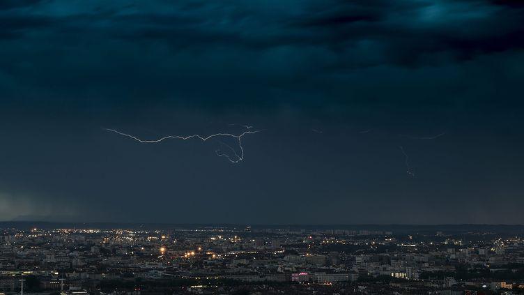 Un orage au-dessusde Lyon, le 6 juillet 2019. (MAXPPP)