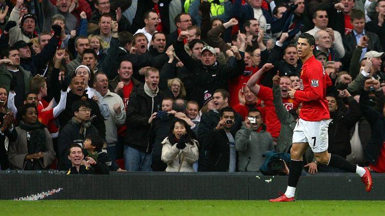 Cristiano Ronaldo après avoir marqué face à Arsenal, le 13 avril 2008, à Old Trafford (Manchester). (PAUL ELLIS / AFP)