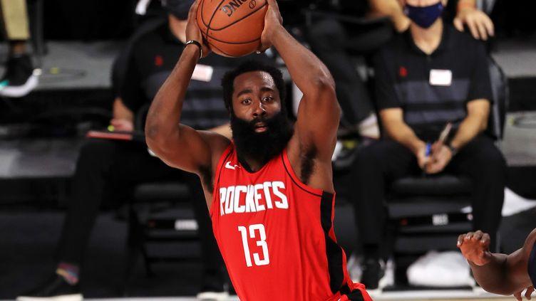 James Harden des Houston Rockets face aux Mavericks de Dallas, le 31 juillet 2020.   (MIKE EHRMANN / GETTY IMAGES NORTH AMERICA)