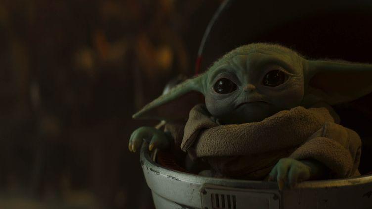 """Bébé Yoda superstar de """"The Mandalorian"""" (LUCASFILM)"""