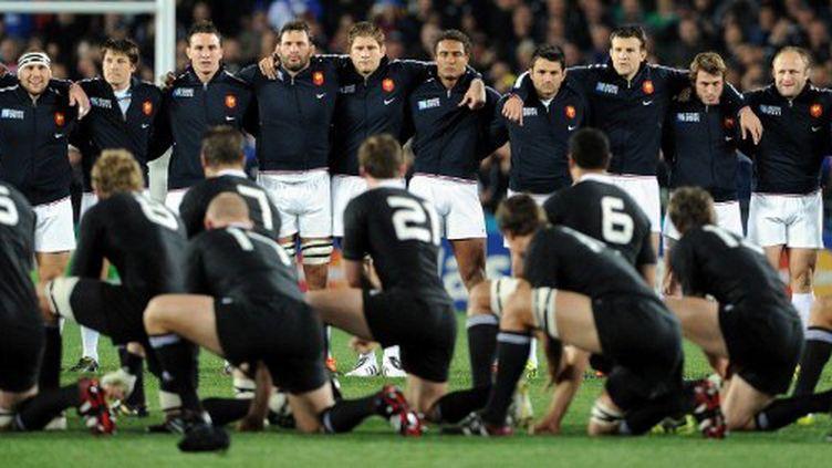 Les Bleus rencontre les All Blacks en finale de la Coupe du monde de rugby, à Auckland (WILLIAM WEST / AFP)