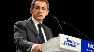 Nicolas Sarkozy s'exprime lors d'un meeting à Nice (Alpes-Maritimes), le 15 novembre 2016. (CITIZENSIDE / ERICK GARIN / AFP)