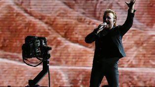 """U2, ici le chanteur Bono, sort à peine d'une tournée de plusieurs mois pour célébrer leur album mythique """"The Joshua Tree"""". (ELVIS GONZALEZ / EFE)"""