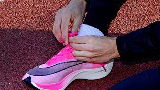 World Athletics pourrait prochainement interdire les modèles de chaussures Vaporfly de Nike. (RICHARD MOUILLAUD / MAXPPP)