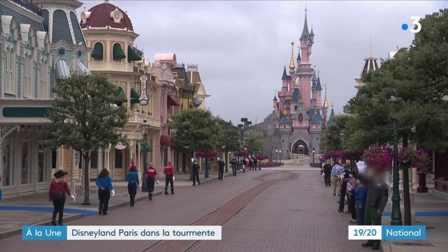 Disneyland Paris : les salariés inquiets pour leur emploi
