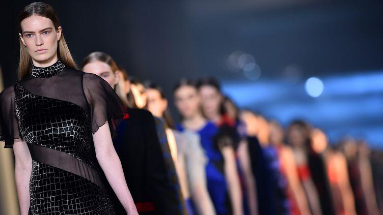 Christopher Kane ah 2015-16, à la London Fashion Week  (BEN STANSALL / AFP)