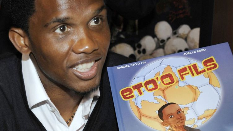 Samuel Eto'o présente sa BD au Festival d'Angoulême  (AFP PHOTO JEAN PIERRE MULLER.)