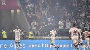 Moussa Dembele a frappé le premier face à Strasbourg dimanche 12 septembre. (JEFF PACHOUD / AFP)
