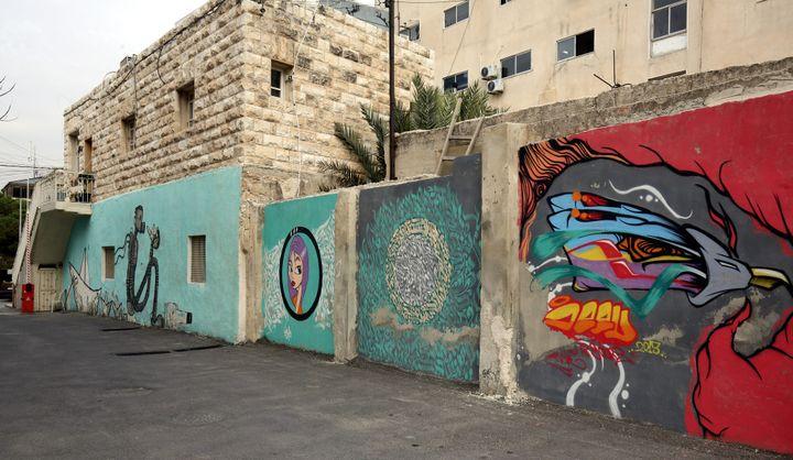 Une rue d'Amman, relookée par les street artistes  (Khalil Mazraawi / AFP)