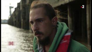 """Mort de Steve : """"On entendait quelqu'un crier qu'il avait vu une personne se noyer"""", raconte Jérémy, tombé à la Loire après une charge de police (COMPLÉMENT D'ENQUÊTE / FRANCE 2)"""