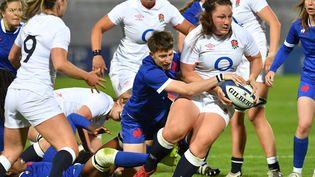 Le test-match entre la France et l'Angleterre a été interrompu par une panne de courant vendredi 30 avril. (DENIS CHARLET / AFP)