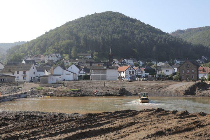 Les rives de la rivière Ahr à Rech (Allemagne), le 24 août 2021. (VALENTINE PASQUESOONE / FRANCEINFO)
