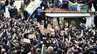 Manifestation à Tizi Ouzou, le 8 décembre 2019. (RYAD KRAMDI / AFP)