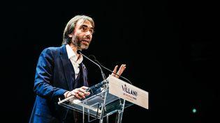 Le candidat LREM dissident à la mairie de Paris, Cédric Villani, lors d'un meeting au théâtre du Trianon, dans la capitale, le 5 février 2020. (KARINE PIERRE / HANS LUCAS / AFP)
