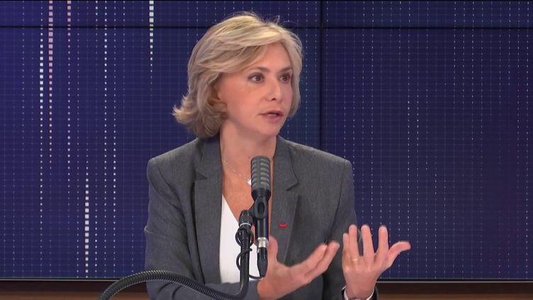 Valérie Pécresse, présidente de la région Île-de-France, invitée de franceinfo le 30 octobre 2020.  (FRANCEINFO / RADIO FRANCE)